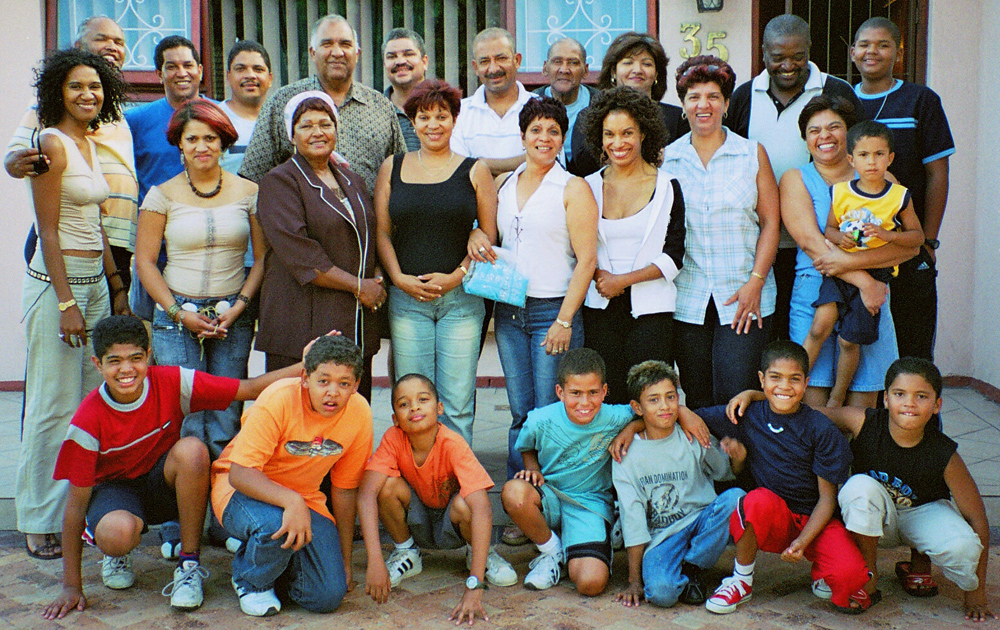 Extended family in South Africa, 2000