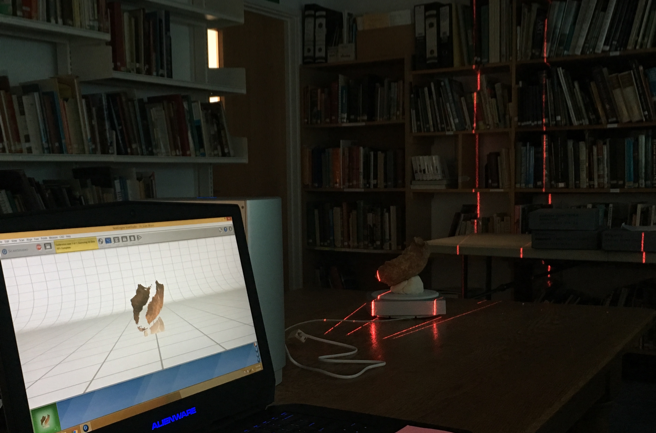 3-D scanning in progress of late-Roman skeletal material at the Oxfordshire Museum Resource Centre